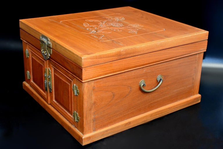 Chinese Solid Elm Jewelry Box with Carved Flowers For Sale 12