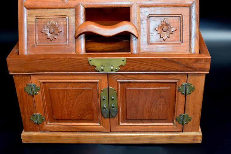 Chinese Solid Elm Jewelry Box with Carved Flowers For Sale 3