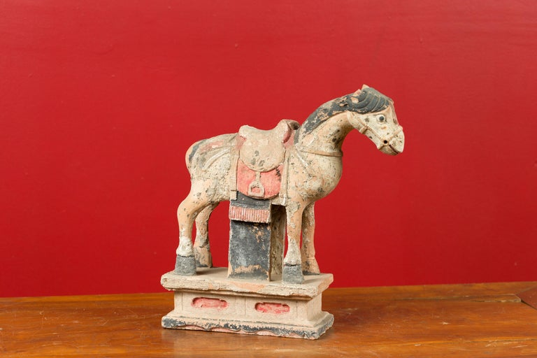 Chinese Tang Dynasty Horse Model circa 618-907 AD with Original Pigmentation For Sale 4