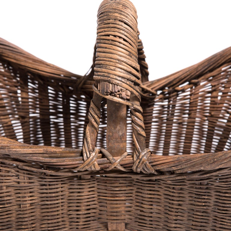 Hand-Woven Chinese Twist Woven Market Basket For Sale