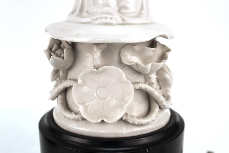 Chinese White Ceramic Guanyin Buddha Table Lamps For Sale 1