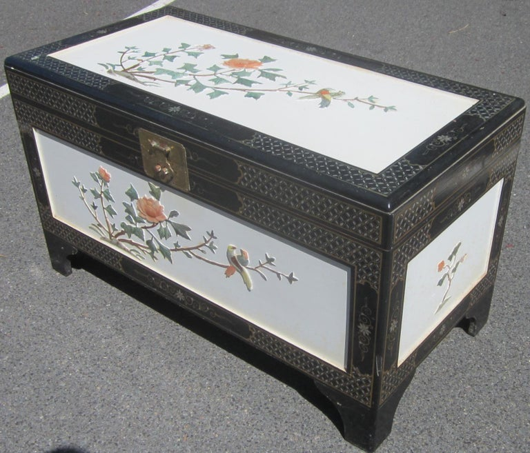 Chinese white lacquer camphor wood chest. Measures: 100 x 50 x 58cm high.