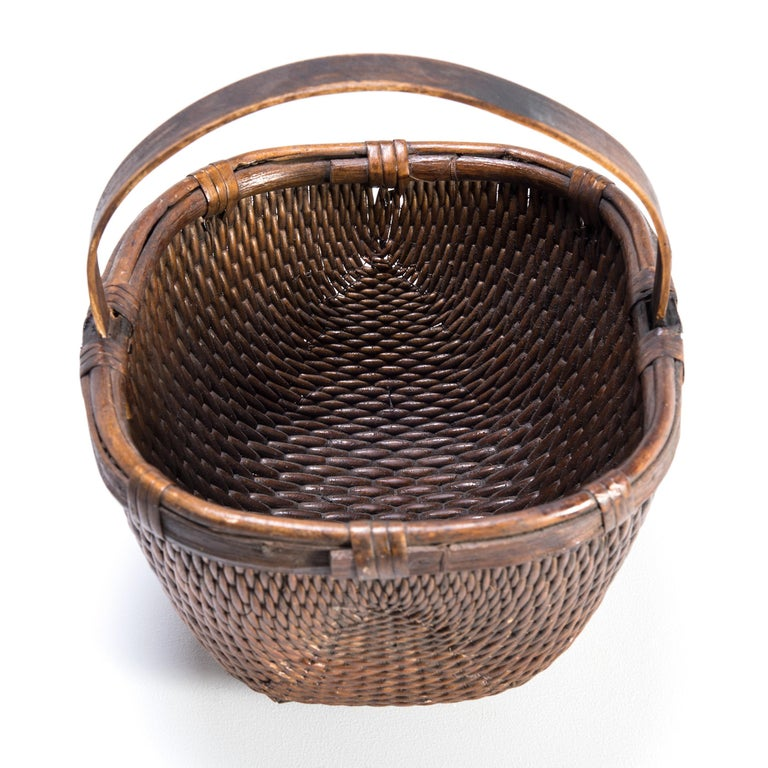 Chinese Willow Market Basket, circa 1900 In Good Condition For Sale In Chicago, IL