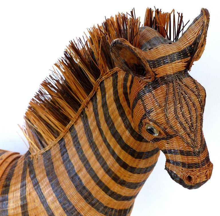 Chinese Woven Reed Zebra Trinket Box In Excellent Condition For Sale In Miami, FL