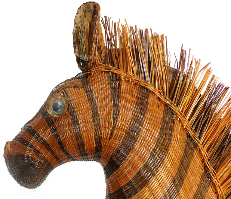 20th Century Chinese Woven Reed Zebra Trinket Box For Sale