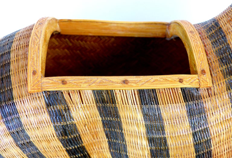 Chinese Woven Reed Zebra Trinket Box For Sale 1