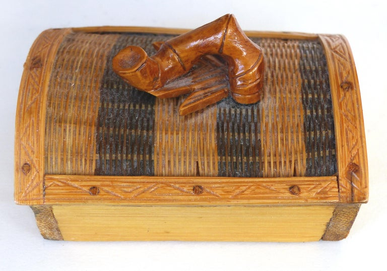 Chinese Woven Reed Zebra Trinket Box For Sale 2