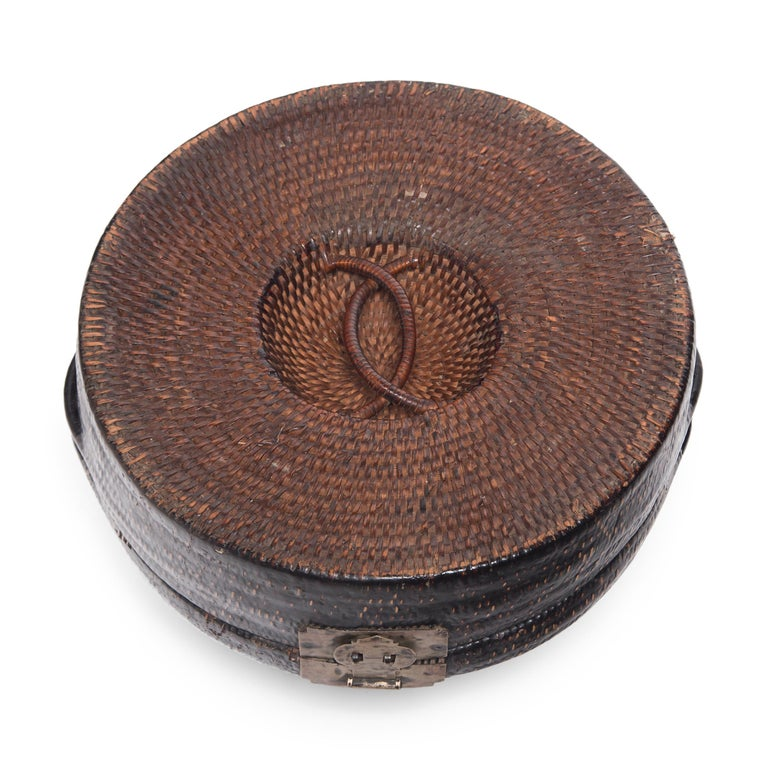 Chinese Woven Summer Hat Box, circa 1850 For Sale 1