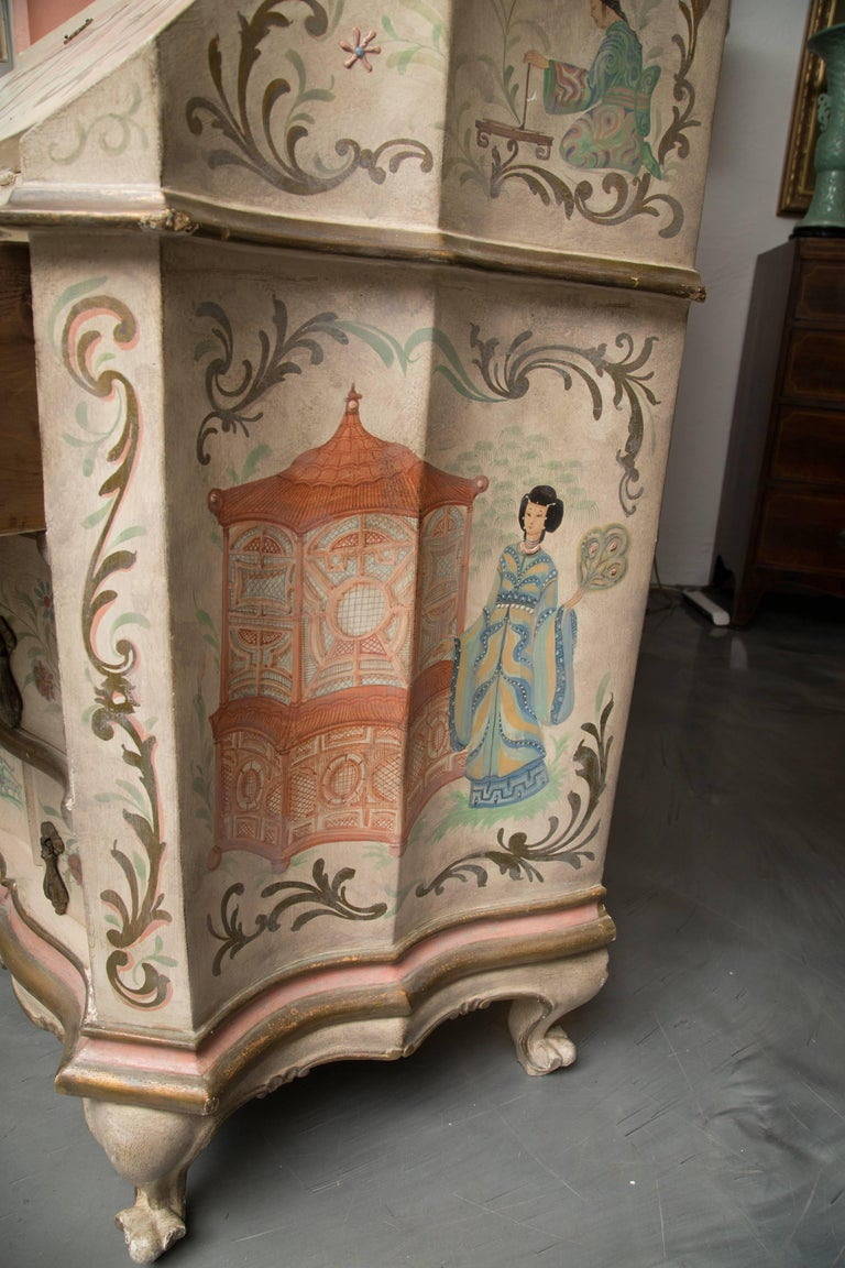Chinoiserie and Cream-Painted Italian Queen Anne Style Secretary In Good Condition For Sale In WEST PALM BEACH, FL
