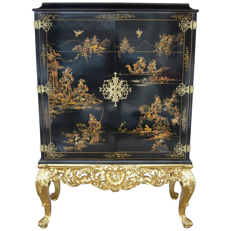 Chinoiserie Bar Cabinet with Giltwood For Sale