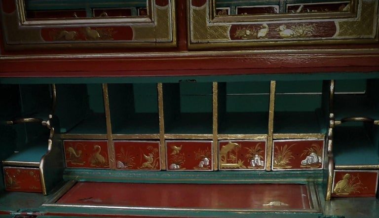 18th Century style Chinoiserie Red Lacquer Bureau Bookcase In Excellent Condition For Sale In Cranbrook, Kent
