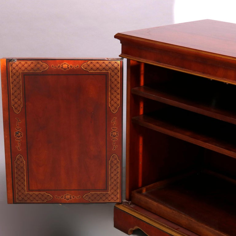 Chinoiserie Decorated Parcel-Gilt Mahogany Credenza by Drexel, 20th Century For Sale 12