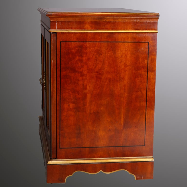 Chinoiserie Decorated Parcel-Gilt Mahogany Credenza by Drexel, 20th Century In Good Condition For Sale In Big Flats, NY
