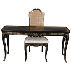 Chinoiserie Ebonisierter & vergoldeter Damen Schreibtisch & Rohrlehne Stuhl, 20tes Jahrhundert