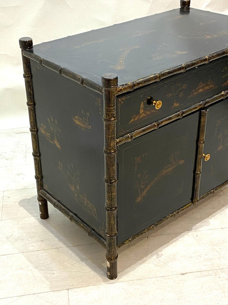 Chinoiserie commode 1-drawer over 2-door cabinet from the 1950s. In very good condition minor wear consistent with age and use.