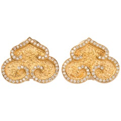 Chinoiserie Gold Earrings with Diamonds