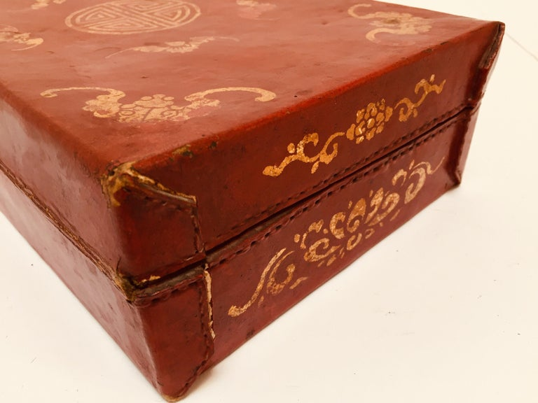 Chinoiserie Leather Red and Gilt Hand Painted Box For Sale 4