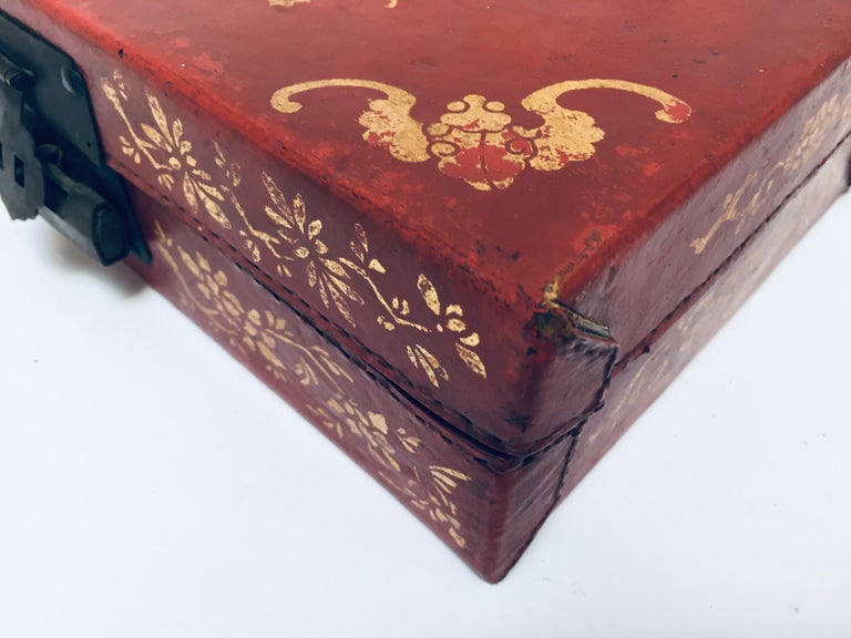 Chinoiserie Leather Red and Gilt Hand Painted Box For Sale 12