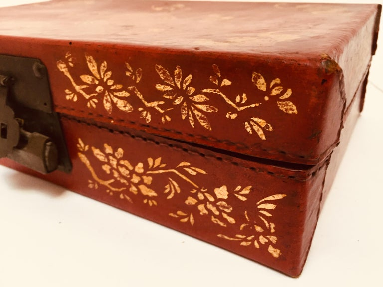 Chinoiserie Leather Red and Gilt Hand Painted Box In Fair Condition For Sale In North Hollywood, CA