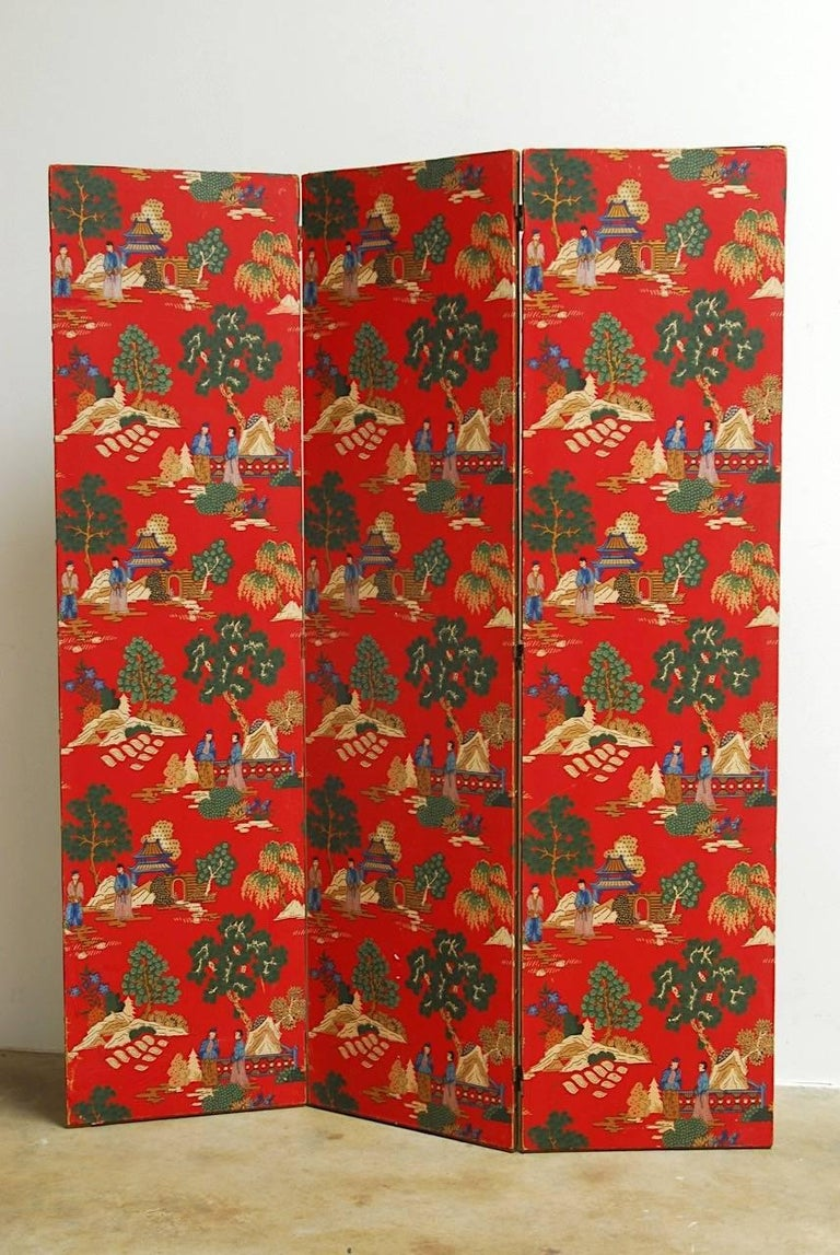 Chinoiserie Polychrome Wallpaper Three-Panel Pagoda Screen For Sale 3