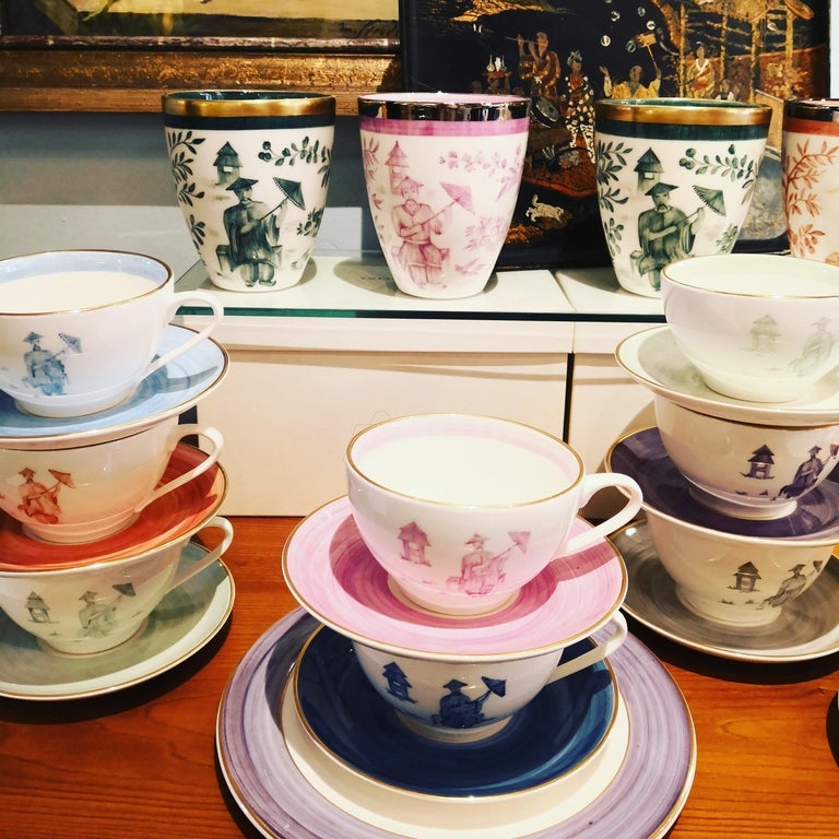 Contemporary Chinoiserie Set of Four Porcelain Cups Hand Painted Sofina Boutique Kitzbuehel For Sale
