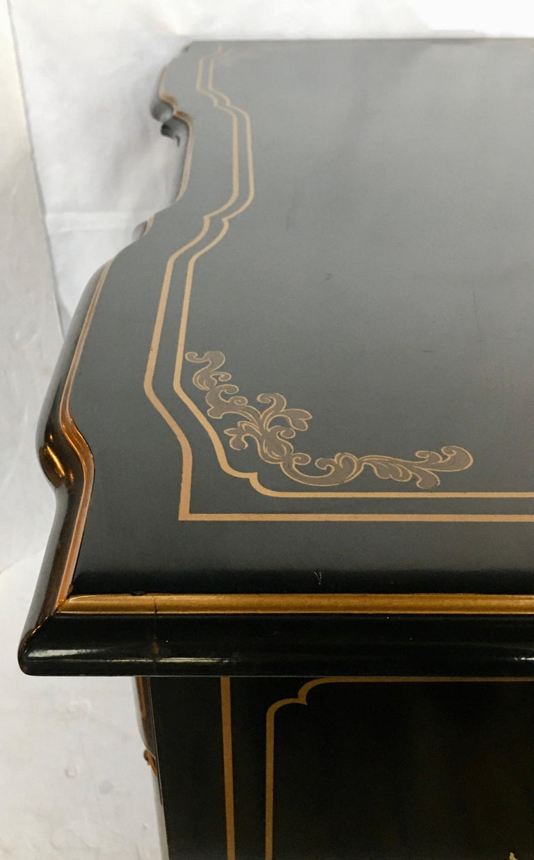 Chinoiserie Asian Style Serpentine Chest Dresser and Wall Mirror Set by Drexel For Sale 5