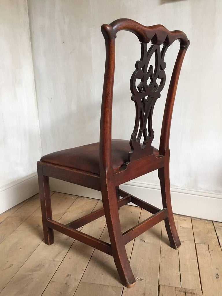 Chippendale Mahogany Chair with Leather Seat In Excellent Condition For Sale In Vosselaar, BE