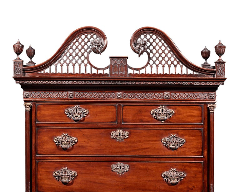 Chippendale Mahogany Chest on Chest In Excellent Condition For Sale In New Orleans, LA