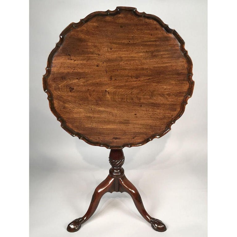 Chippendale Period Carved Mahogany Pie Crust Tripod Table In Good Condition For Sale In Lymington, GB