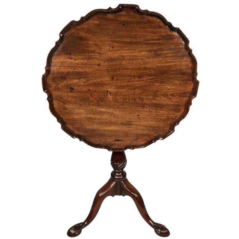 Chippendale Period Carved Mahogany Pie Crust Tripod Table For Sale