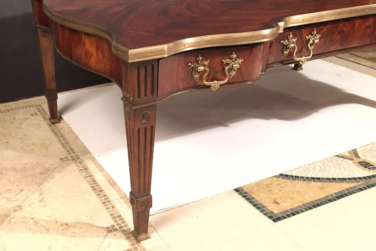 Chippendale Style Mahogany Cocktail Table For Sale 1