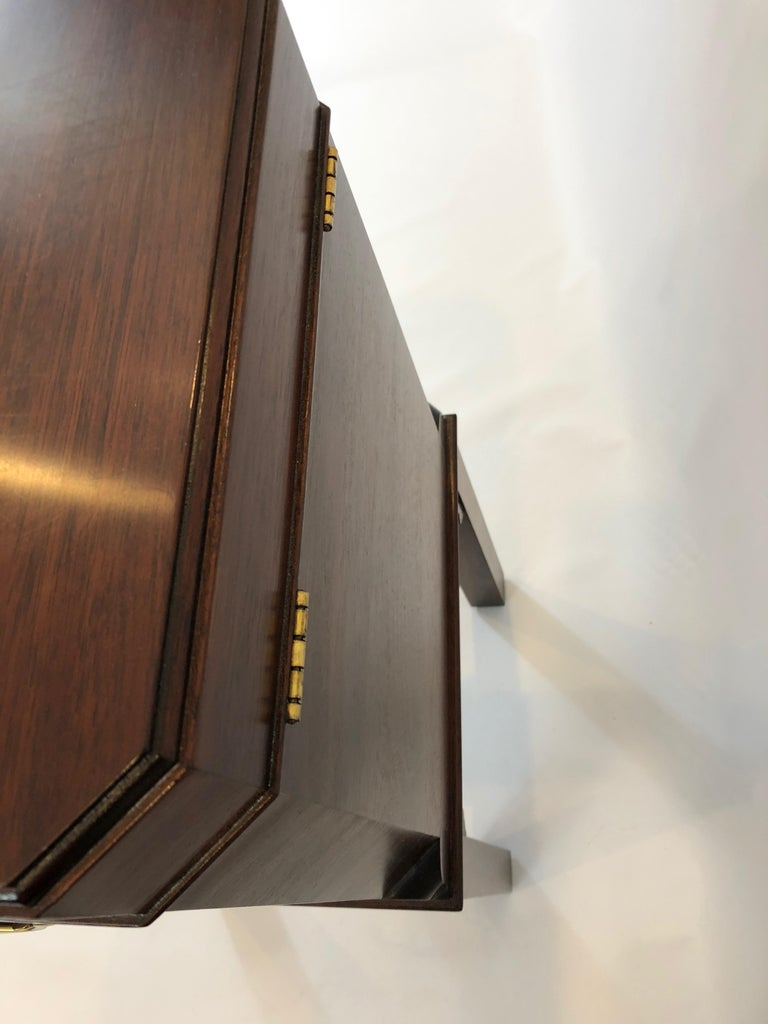 Chippendale Style Mahogany Williamsburg Edition Cellarette End Table For Sale 3