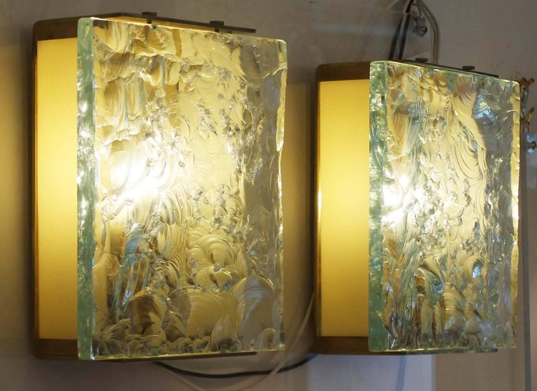 Italian Chiseled Glass Sconces by Max Ingrand for Fontana Arte Mod. 2311, Italy, 1960s For Sale