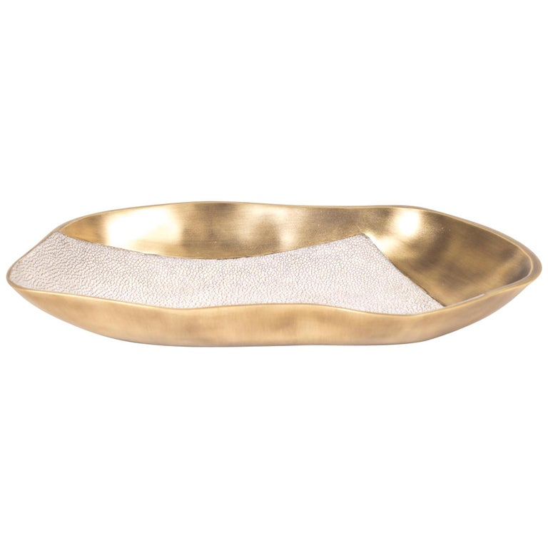 Chital Bowl Small in Cream Shagreen & Bronze-Patina Brass by Kifu Paris For Sale