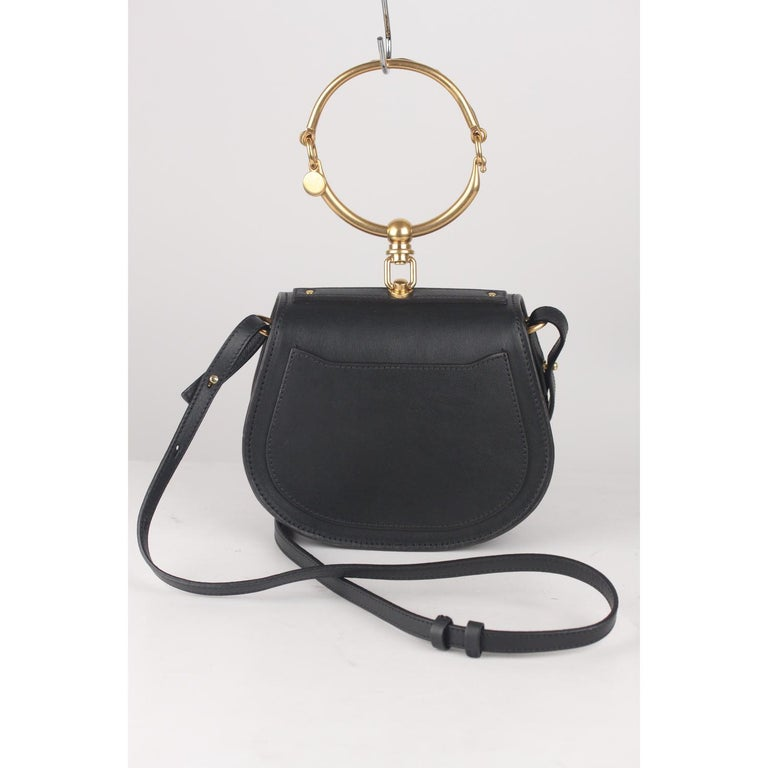 Chloe Black Leather Suede Nile Bracelet Bag with Shoulder Strap In Excellent Condition For Sale In Rome, Rome