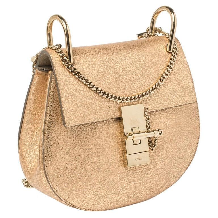 Women's Chloe Metallic Rose Gold Leather Small Drew Shoulder Bag For Sale