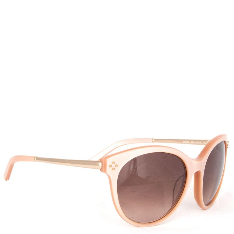 100% authentic Chloé CE641S sunglasses in nude acetate and light gold-tone metal temples with gradient brown lenses. Has been worn and is in excellent condition. Comes with case.   Width 14.5cm (5.7in) Height 5.5cm (2.1in)  All our listings include