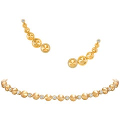 Choker Necklace and Earrings crafted in 18K Yellow Gold and White Diamonds