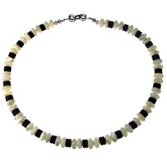 Gemjunky 15 Inch Choker of Mother of Pearl and Black Onyx
