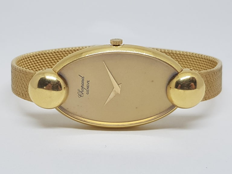 Brand: Chopard ref: 48570 5038 1 Gold: 18 K yellow gold Gold dial Mechanical Movement Weight: 64,01 grams. Diameter with crown: 29mm Age: ca. 1960-1970 Length: 18,5cm.  Free lengthening of watch band up to size 21,0cm. Gold Clasp All our jewellery