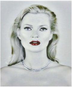 Kate Moss She's Light