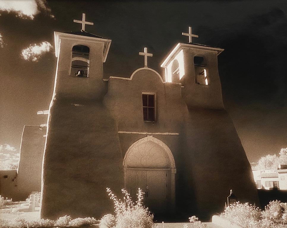 Ranchos de Taos, Front View
