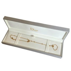 Christian Dior 18K Yellow Gold Diamond Mother of Pearl Rose des Vents Hand Jewel