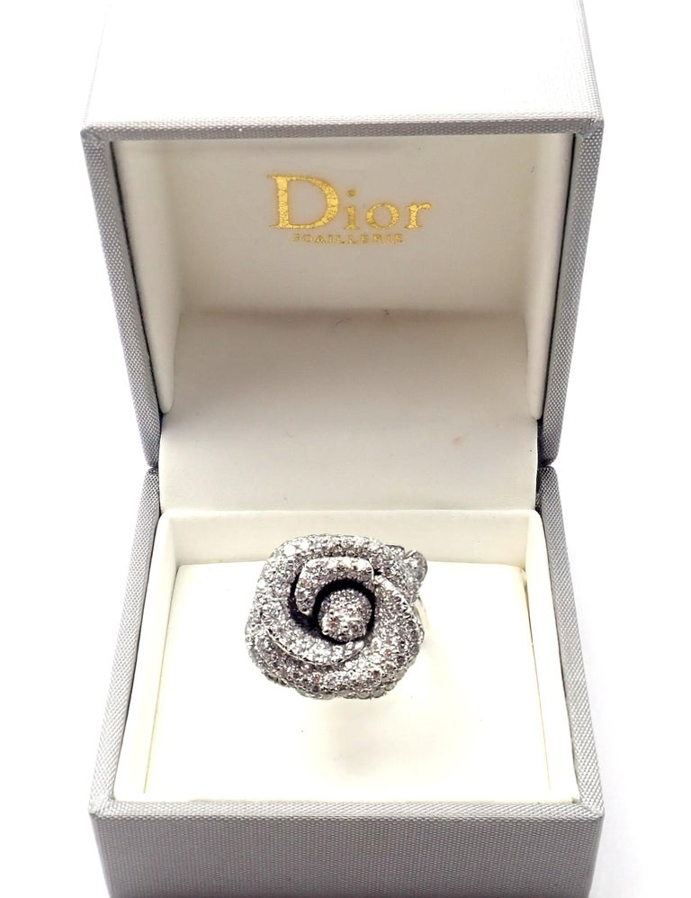 Christian Dior Bagatelle Rose Diamond Medium Model White Gold Ring In Excellent Condition For Sale In Holland, PA