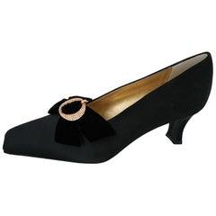 Christian Dior black velvet heels with bows embroidered w/ Swarovski. SIze 9 1/2