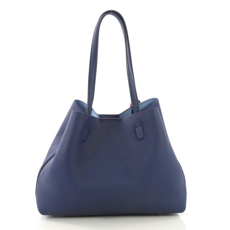 39e3c8ceb Christian Dior Blossom Handbag Leather Medium In Good Condition For Sale In  New York, NY