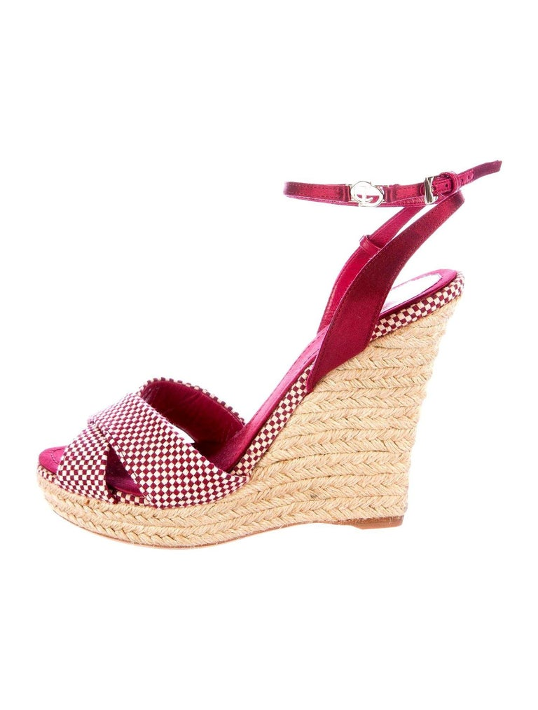 Christian Dior Burgundy Satin Espadrille Wedges High Heels with CD Logo Closure In New Condition For Sale In Switzerland, CH