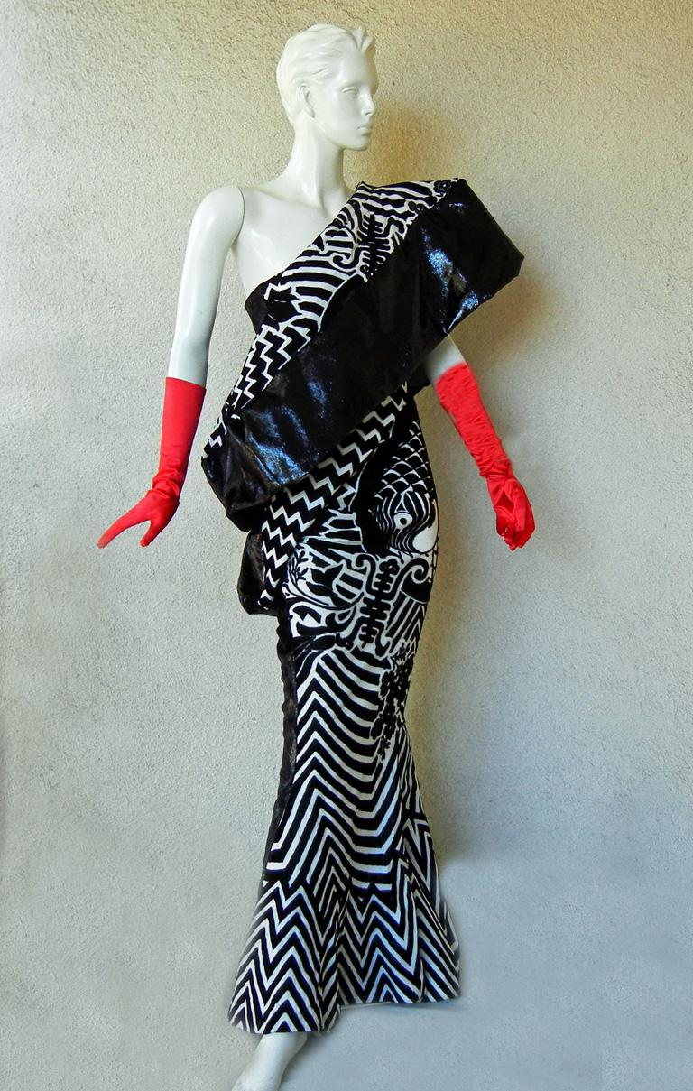 Black Christian Dior by John Galliano Asian Kabuki