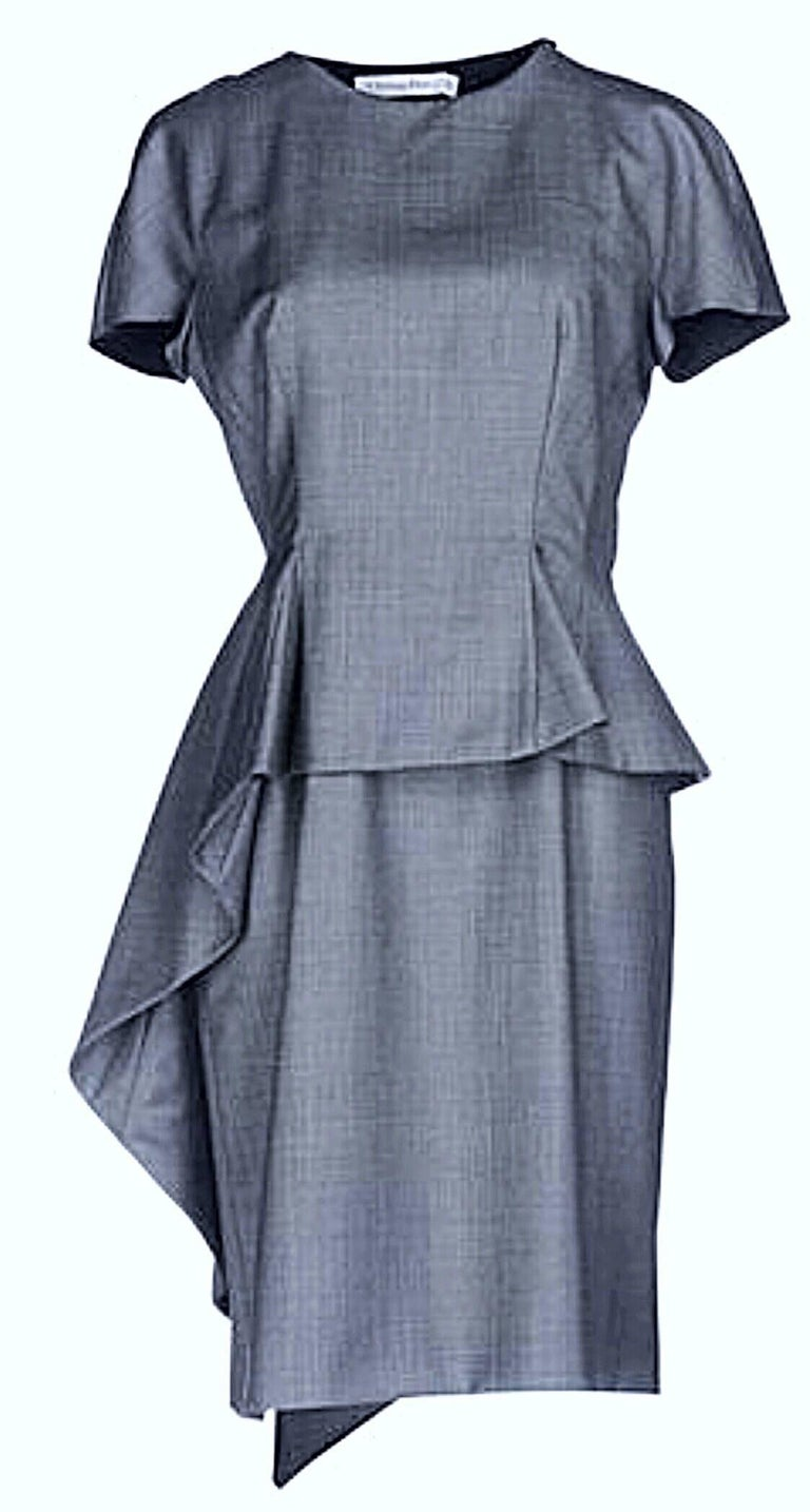 Christian Dior by John Galliano Size 10 / 42 Lightweight Wool Avant Garde Dress In New Condition For Sale In Chicago, IL