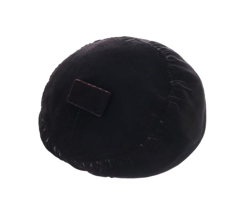 CHRISTIAN DIOR Chapeaux c.1960's Marc Bohan Black Gathered Velvet Beret Hat For Sale 2